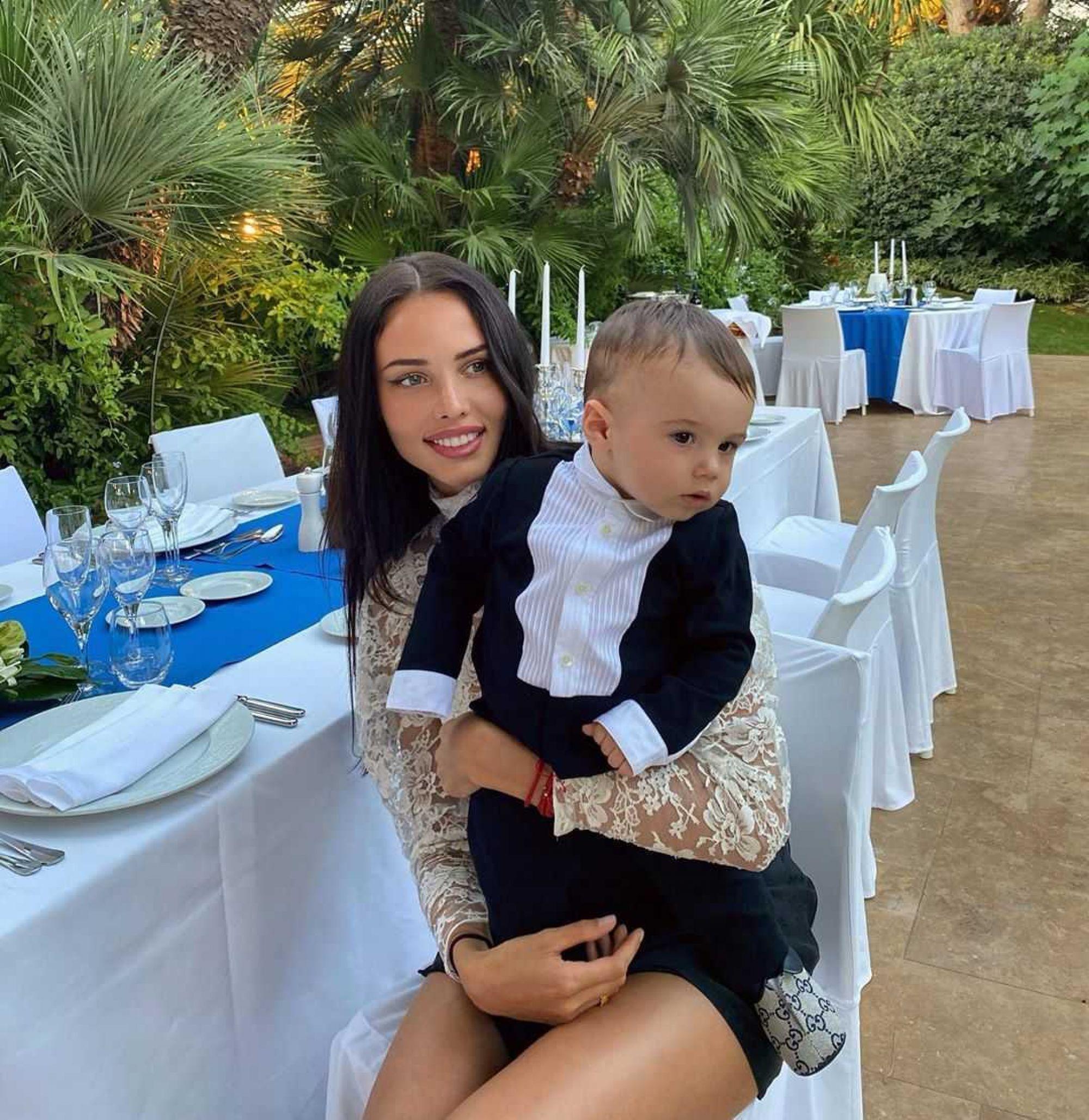 «Как сухо!»: Анастасия Решетова скромно поздравила Тимати с 37-летием