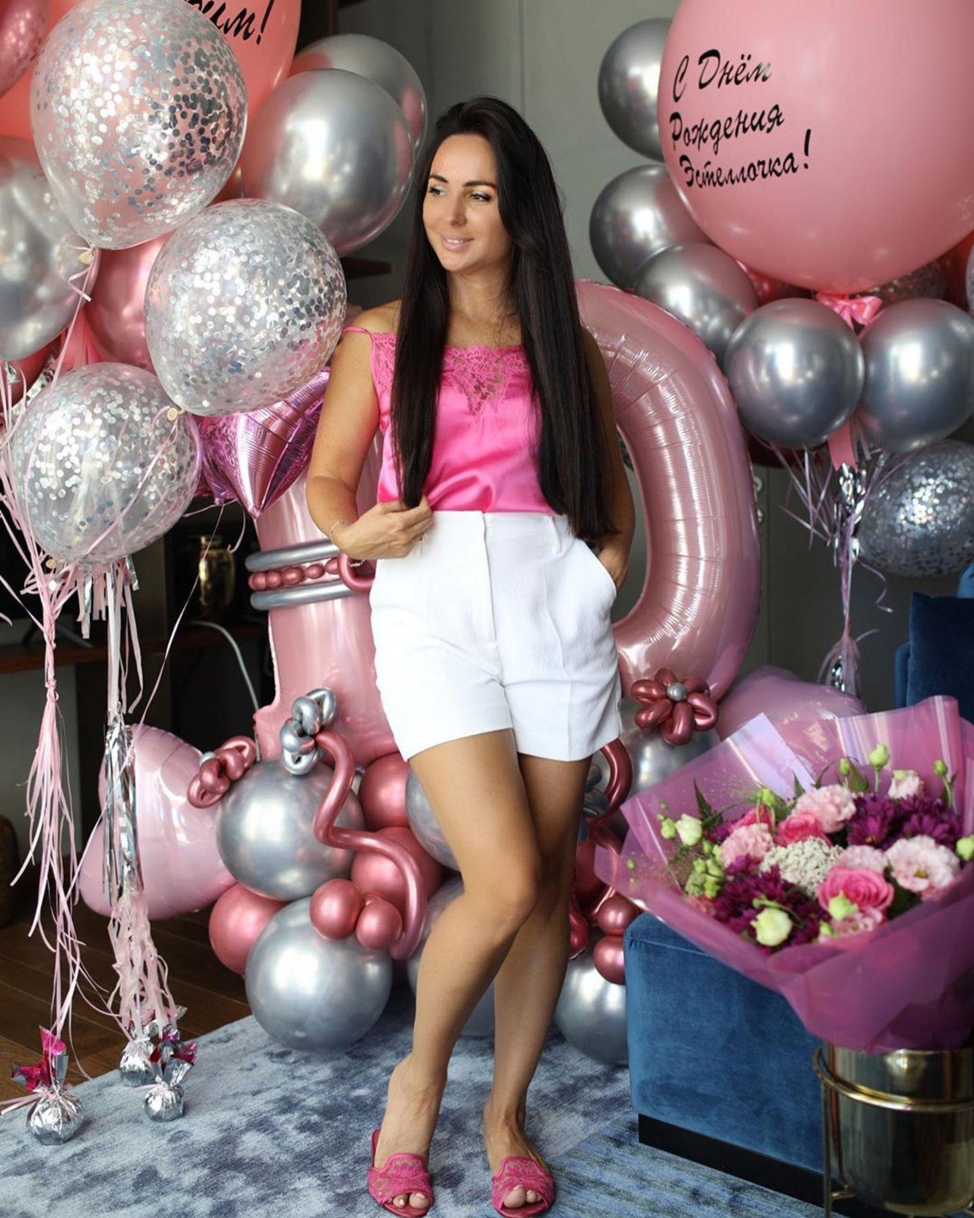 Фанаты поздравляют жену Михаила Галустяна с третьей беременностью