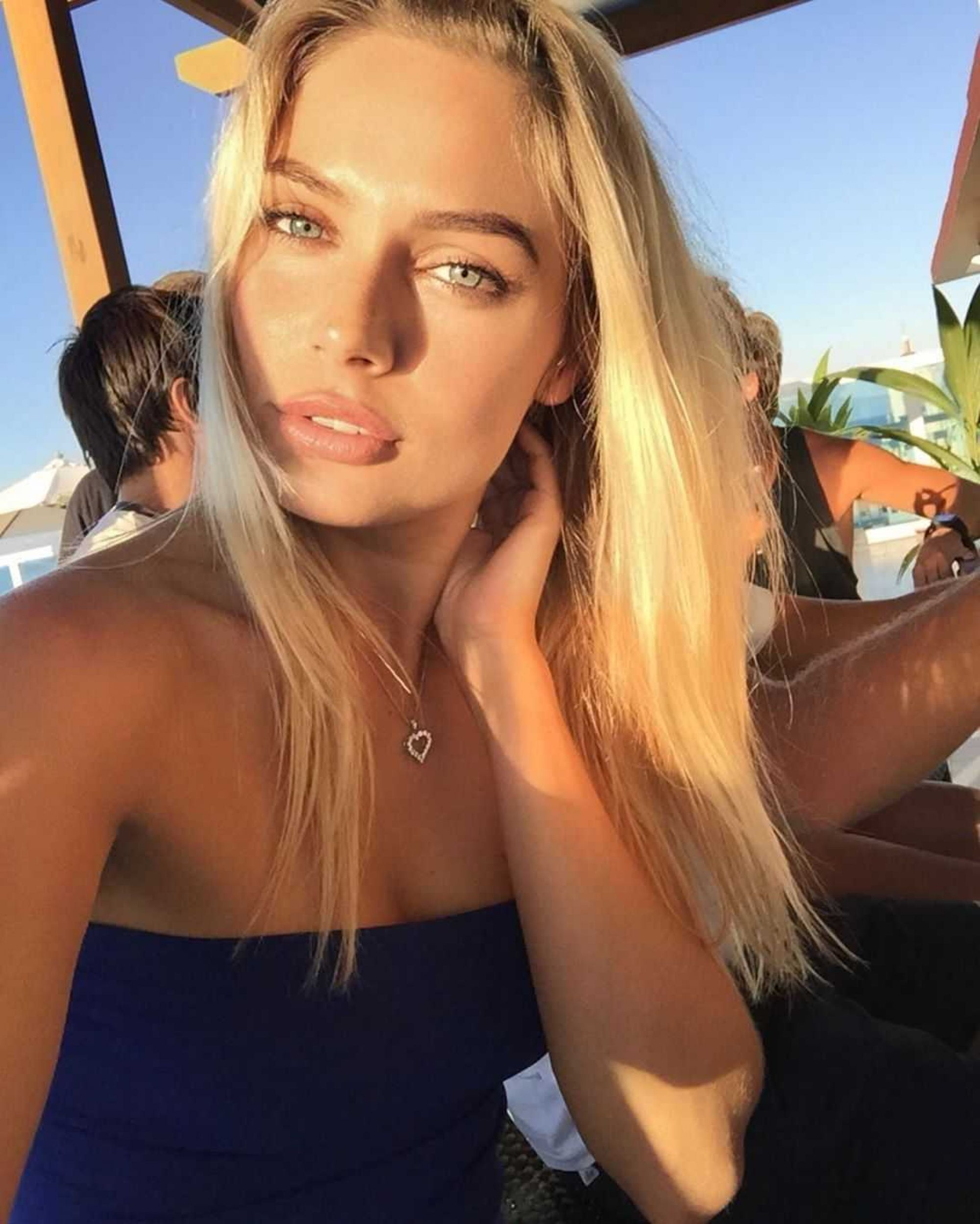 СМИ сообщают о беременности актрисы Натальи Рудовой