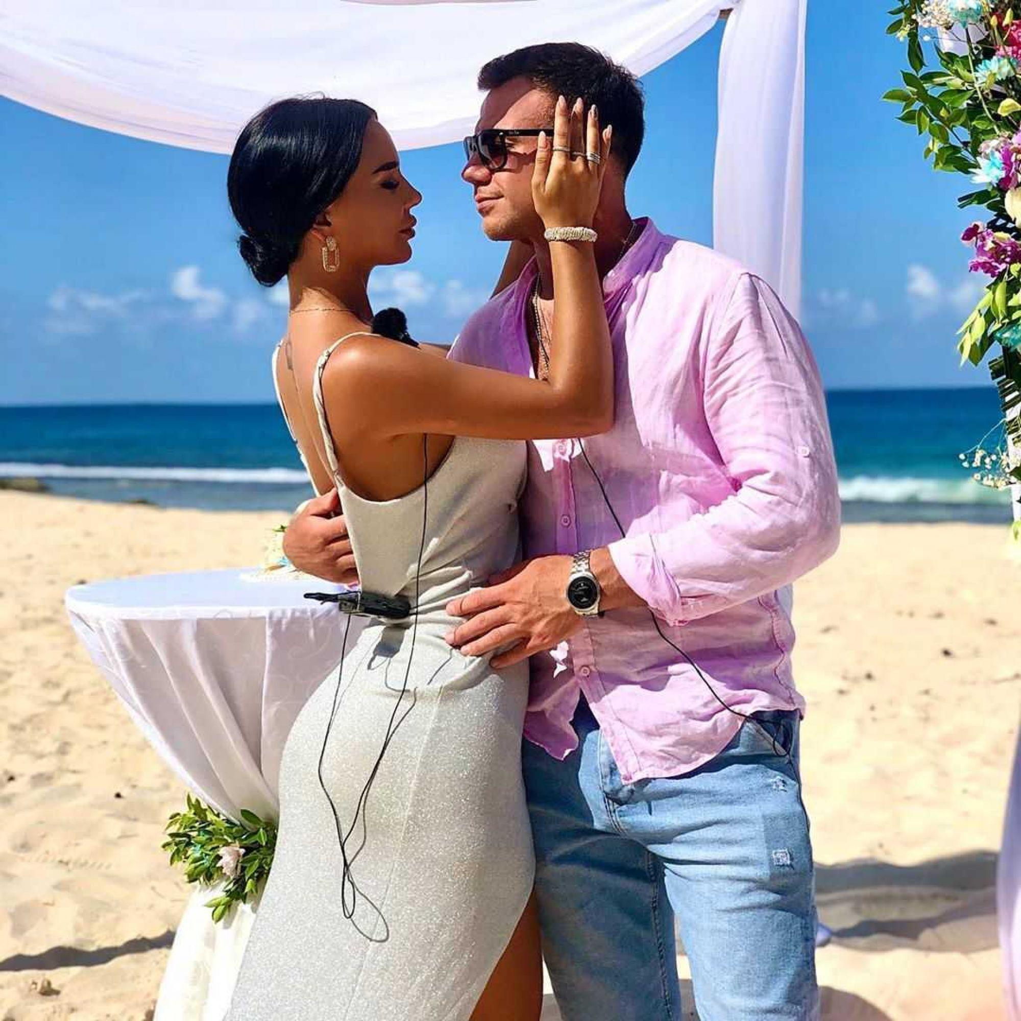 «Моя жена!»: Звезды телепроекта «Дом-2» сыграли свадьбу