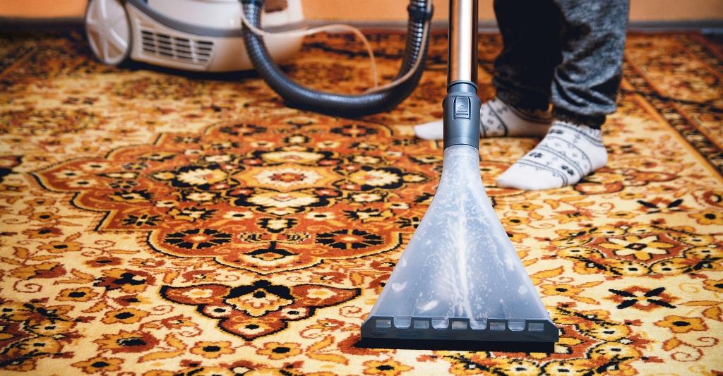Как чистить ковры: советы и рекомендации